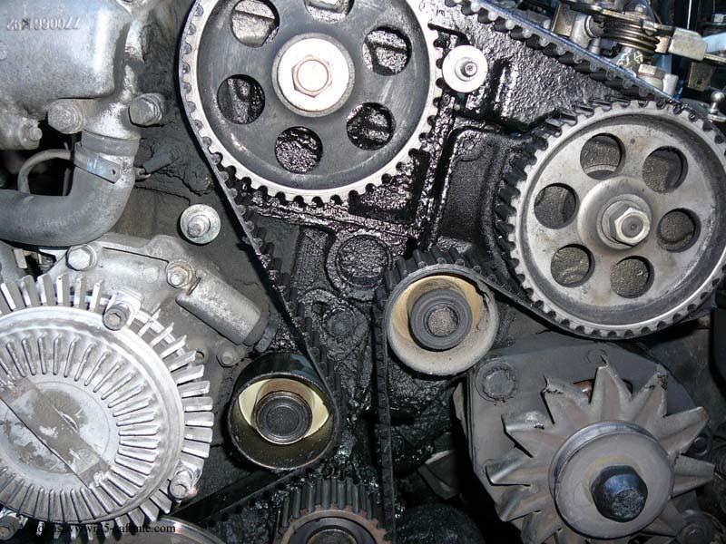 distribution sur turbo diesel...galet enrouleur ?? FINI !! P1000210