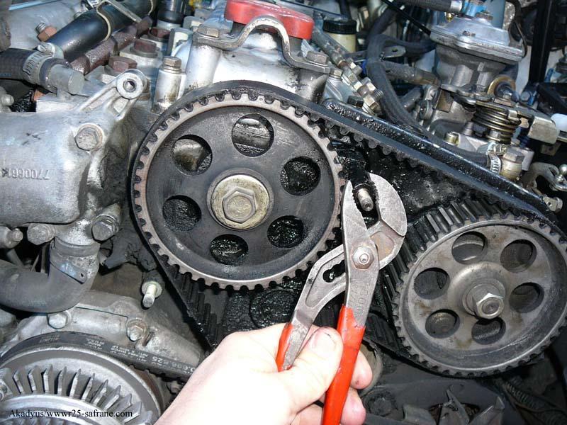 distribution sur turbo diesel...galet enrouleur ?? FINI !! P1000212