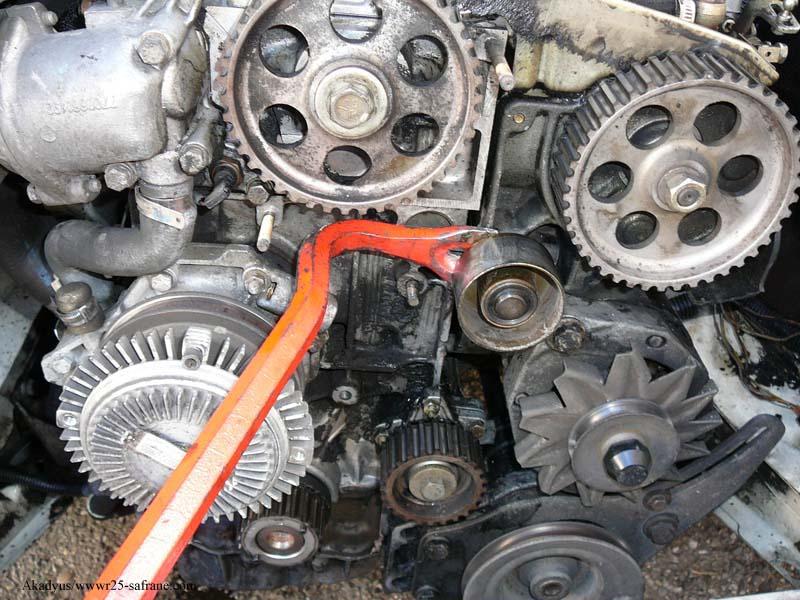 distribution sur turbo diesel...galet enrouleur ?? FINI !! P1000216