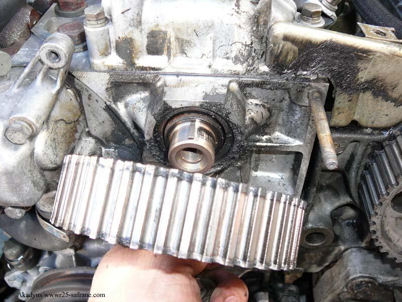 distribution sur turbo diesel...galet enrouleur ?? FINI !! P1000218