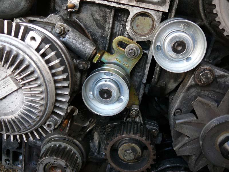 distribution sur turbo diesel...galet enrouleur ?? FINI !! P1000220