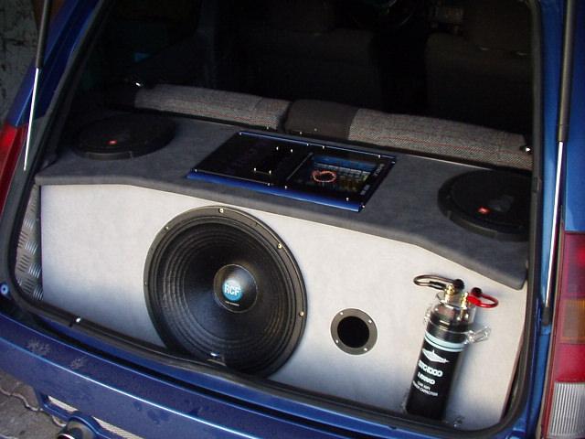 sono adaptable r5 gt turbo possible vente s par e vends autoradios sono annonces auto. Black Bedroom Furniture Sets. Home Design Ideas