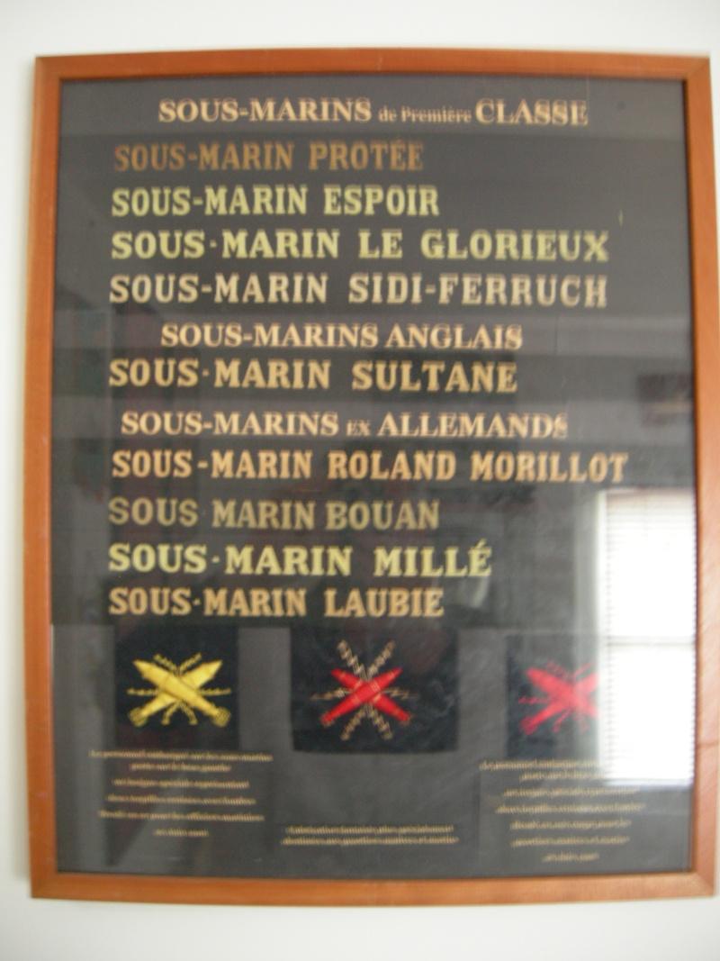 [ Logos - Tapes - Insignes ] Collection de rubans légendés de sous-marin et brevets SM Dscn4710
