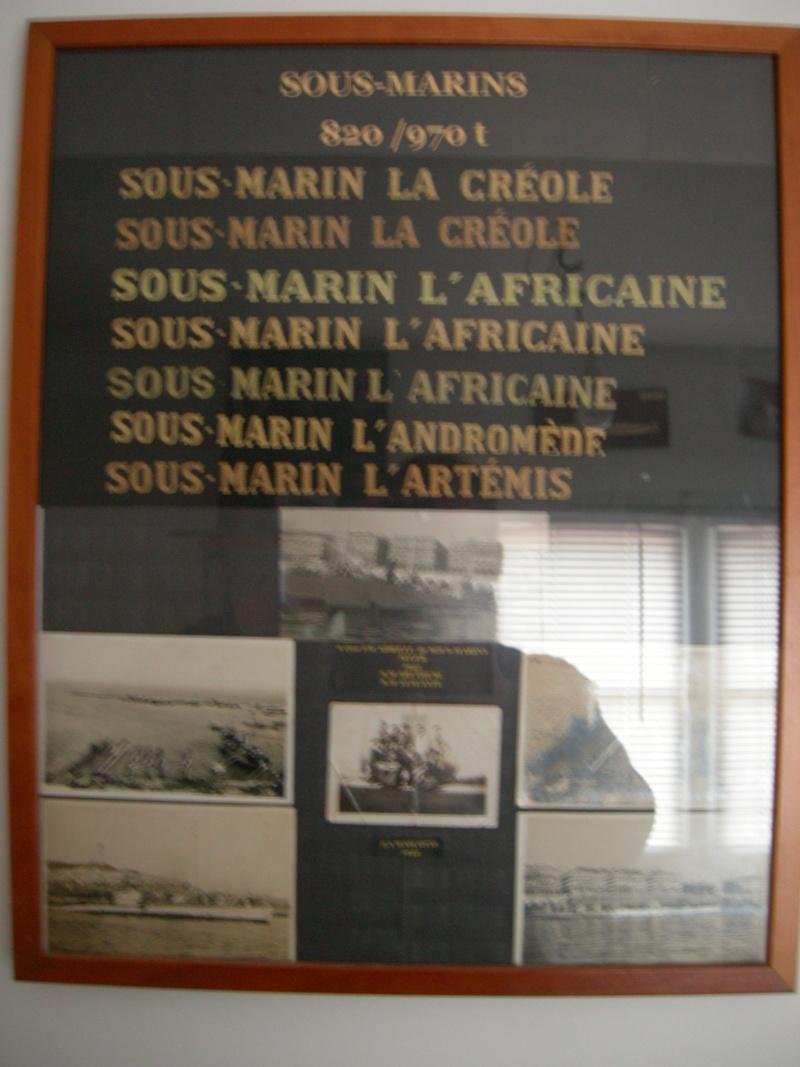 [ Logos - Tapes - Insignes ] Collection de rubans légendés de sous-marin et brevets SM Dscn4711