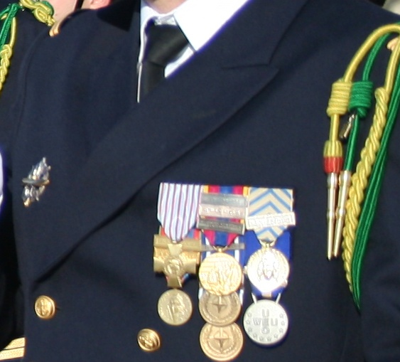 [ Histoire et histoires ] Médailles, insignes et autres Medail10
