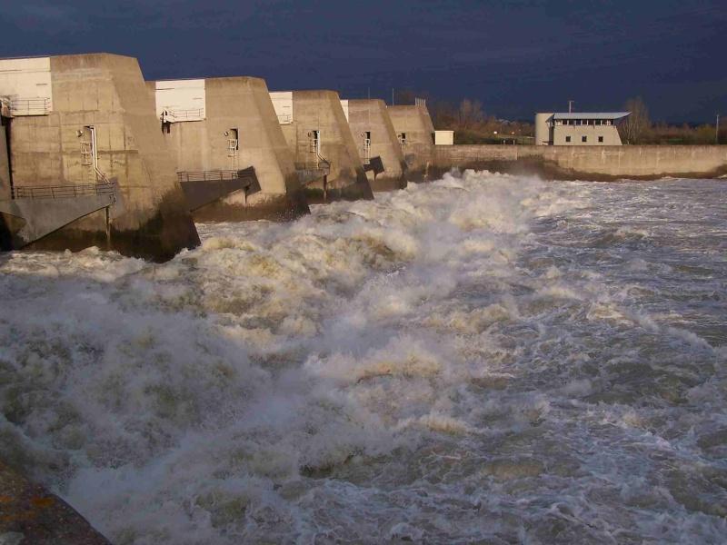 Le Rhône en crue! 100_1214