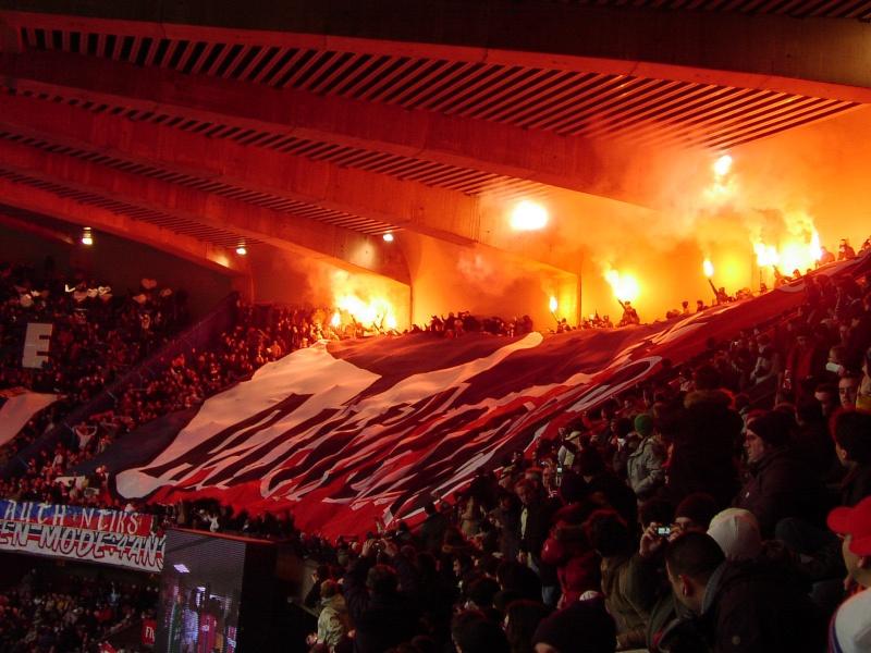 Photos Pyrotechnie (Torches, Pots à Fumée...) 0506as10