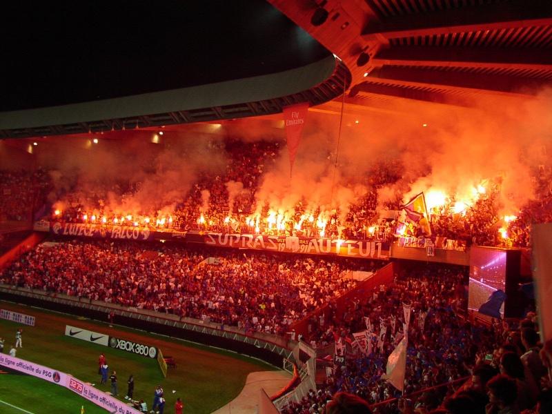 Photos Pyrotechnie (Torches, Pots à Fumée...) 06091010