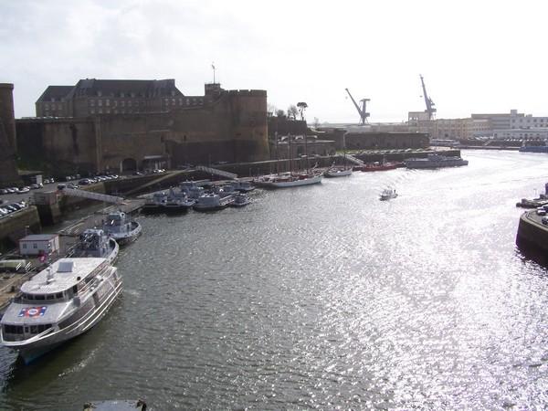 [Activité des ports, pêche plaisance] BREST 2007 15_l_e10