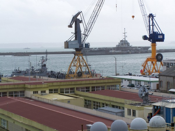 [Activité des ports, pêche plaisance] BREST 2007 32_le_10