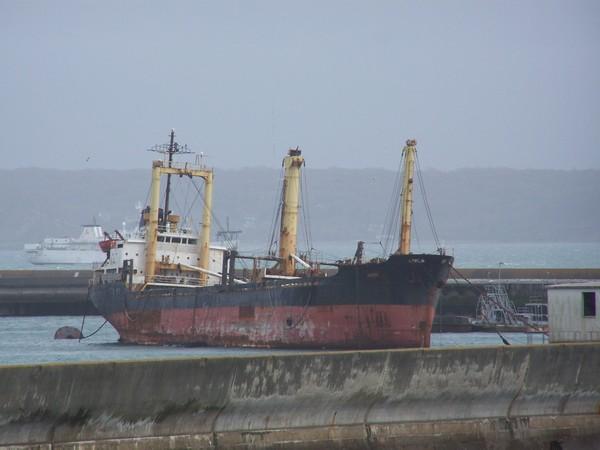 [Activité des ports, pêche plaisance] BREST 2007 - Page 2 Poubel10