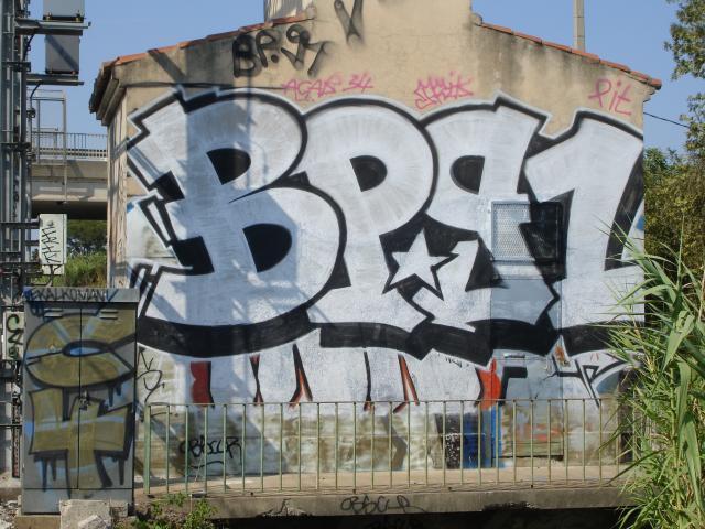 Graffiti et tags ultras 53637110
