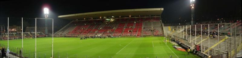 Vue des tribunes Stade_13