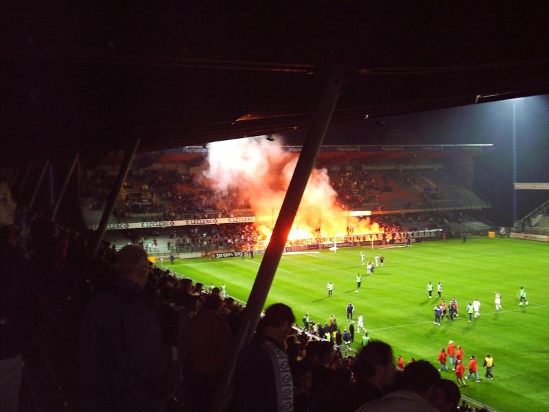 Photos Pyrotechnie (Torches, Pots à Fumée...) Auxerr10