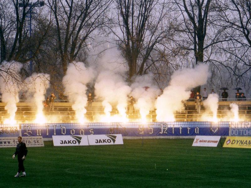 Photos Pyrotechnie (Torches, Pots à Fumée...) 26rj10