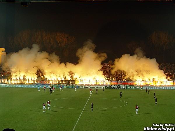 Photos Pyrotechnie (Torches, Pots à Fumée...) 2810