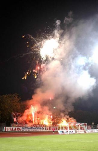 Photos Pyrotechnie (Torches, Pots à Fumée...) - Page 2 Rimini10
