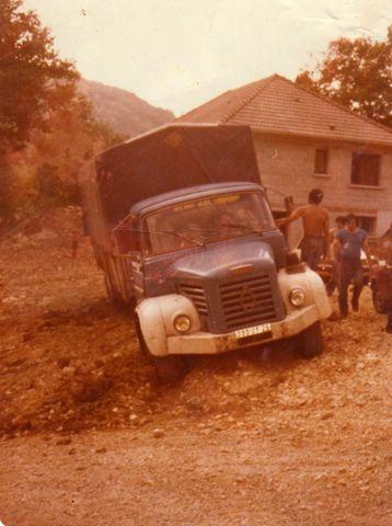 vieux camions.... Glr_6410