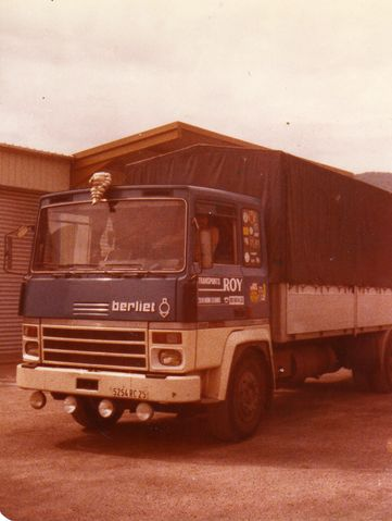 vieux camions.... Roy1_610