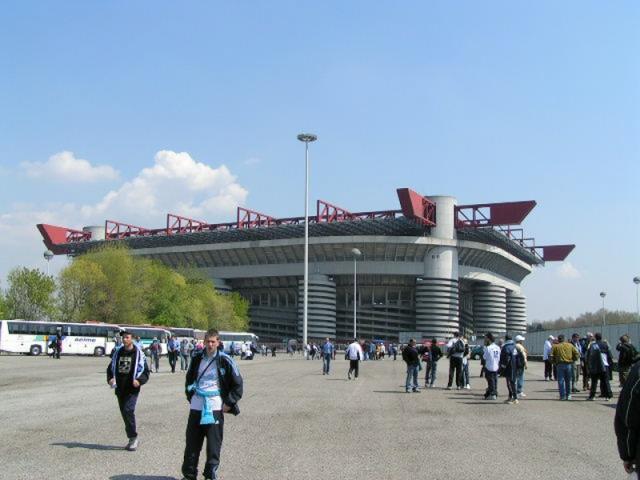 Stades vus de l'extérieur Ael_0112