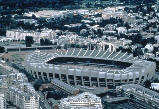 Stades vus de l'extérieur Parc210
