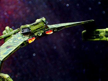 Question sur la couleur du Klingon Cruiser Hpim0410