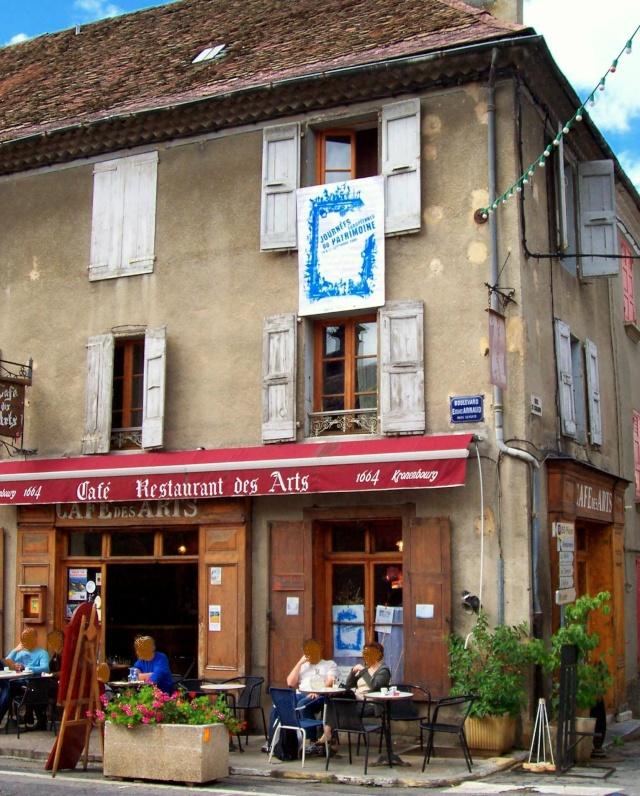 Le Café des Arts Mens Trièves