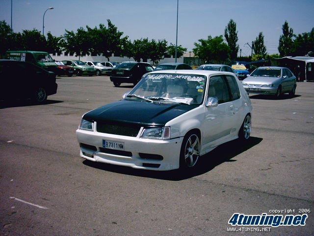 Le topic des 205 tuning Pic00610