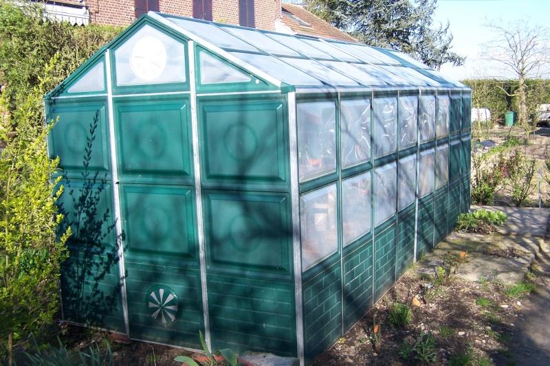 acheter une serre page 2 au jardin forum de jardinage. Black Bedroom Furniture Sets. Home Design Ideas