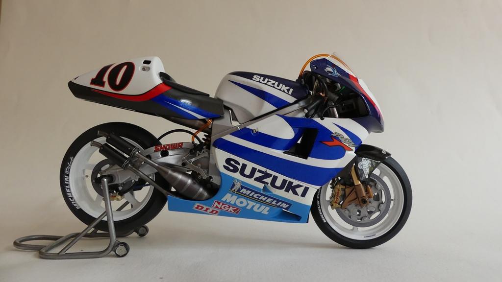 suzuki53.jpg