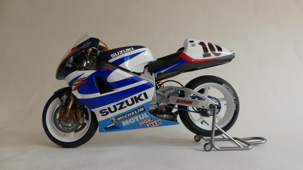 suzuki57.jpg