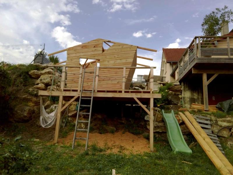 projet de toboggant pour la cabane dans les arbres de mon fils vos id es page 3. Black Bedroom Furniture Sets. Home Design Ideas