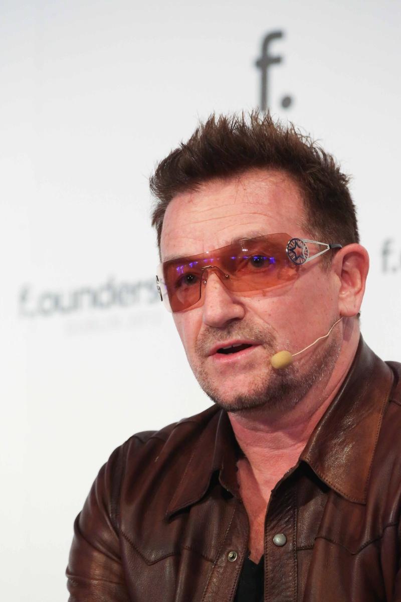 Bono rejoint le mouvement d'aide aux victimes de l'ouragan Sandy