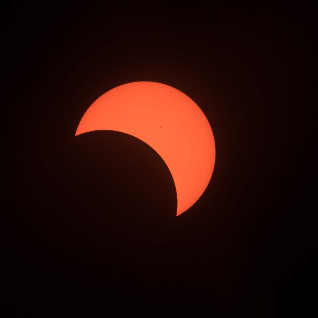 eclips14.jpg