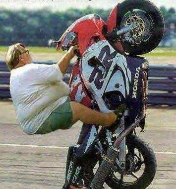 Tanpa disadari para pengendara motor kerap menggeber motornya dalam