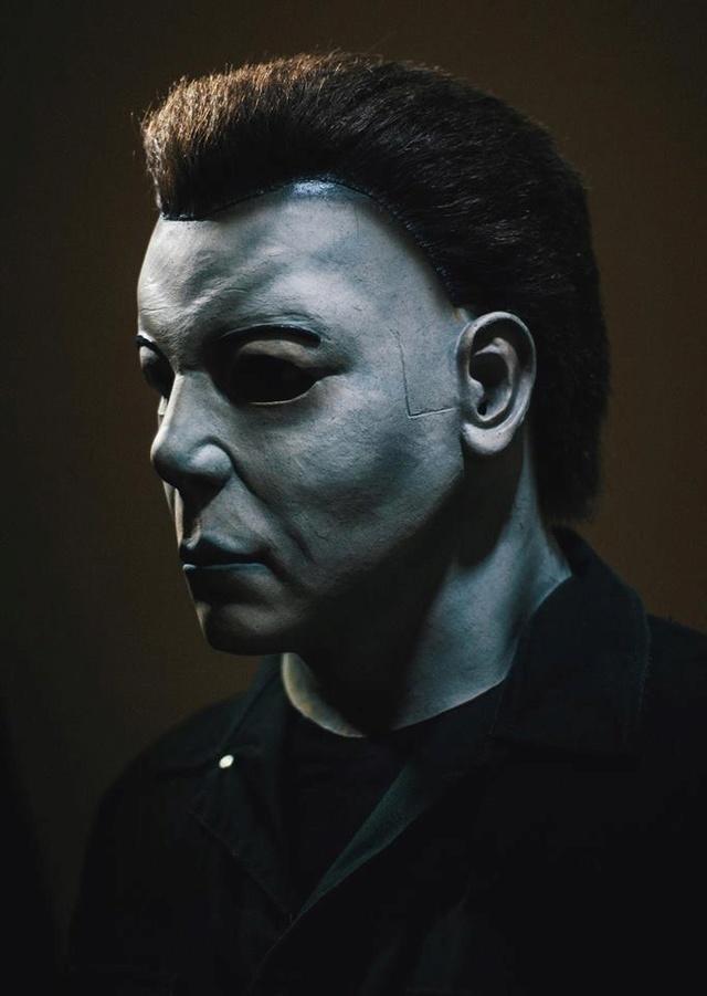 halloween resurrection costume shots michaelmyersnet