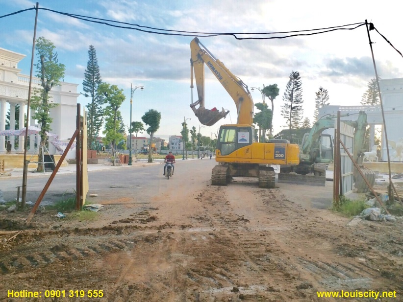 tiến độ thi công trục đường 70 trước dự án Louis City đại mỗ 5