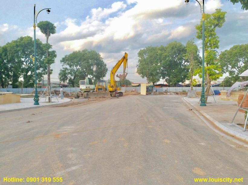 tiến độ thi công trục đường 70 trước dự án Louis City đại mỗ 9