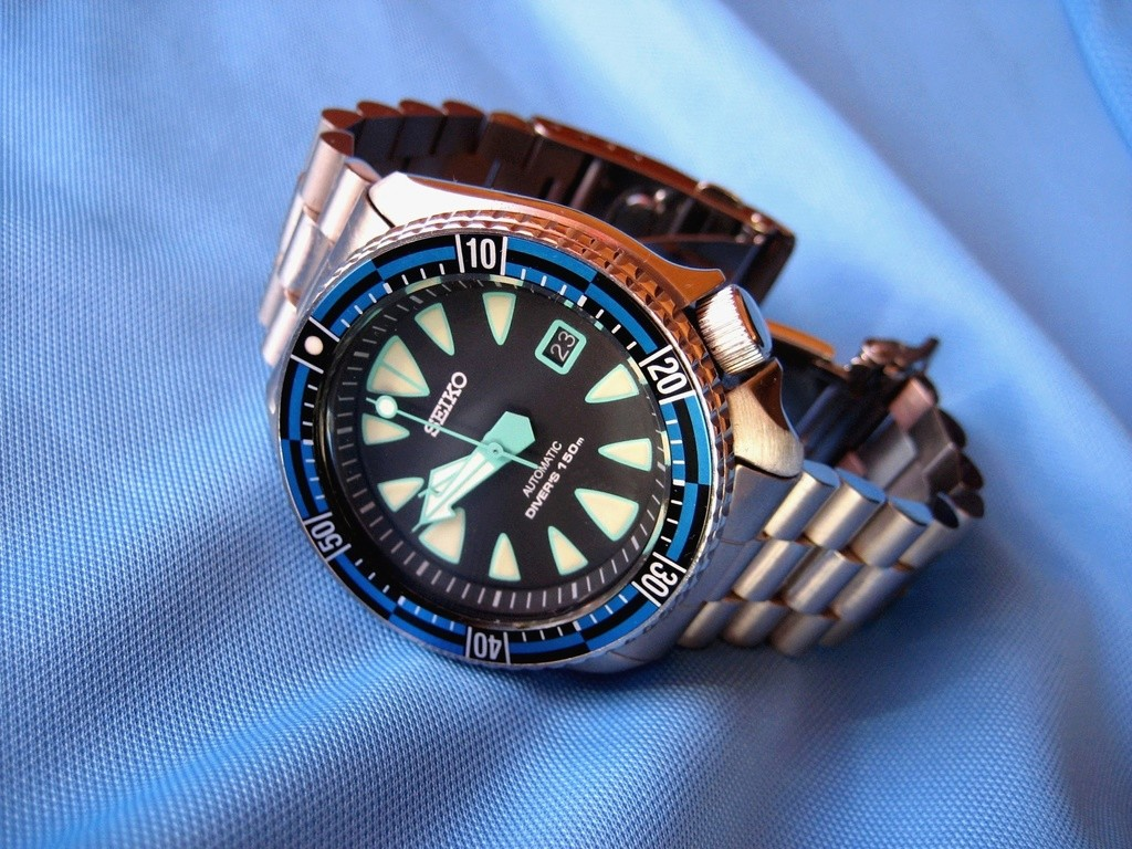 Seiko 7002 vs SKX cases - Seiko & Citizen Watch Forum – Japanese