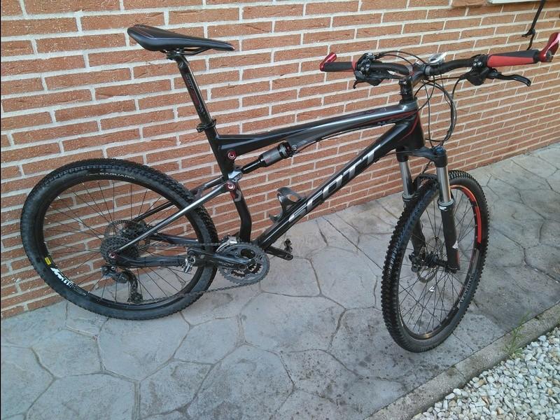 Bici para todo, doble suspensión, con Bafang central.