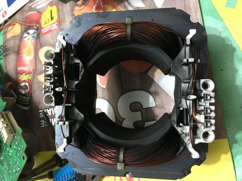 branchement moteur machine laver 8 fils noname d 39 une siemens siwamat xts 1100. Black Bedroom Furniture Sets. Home Design Ideas